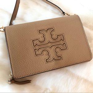 ✨Tory Burch Camel Leather Crossbody Clutch